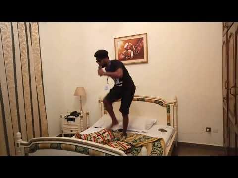 Moustik karismatik daphne calé (Humour Camerounais)
