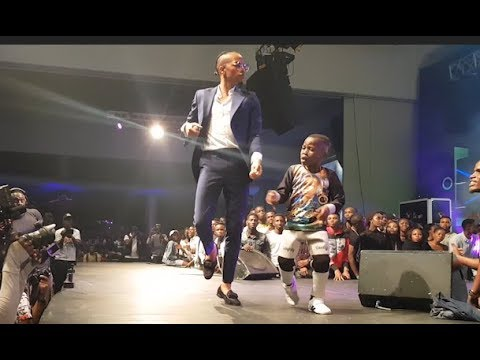 See The Little Dance Guru Tekno Brought To Dance With Him While Performing