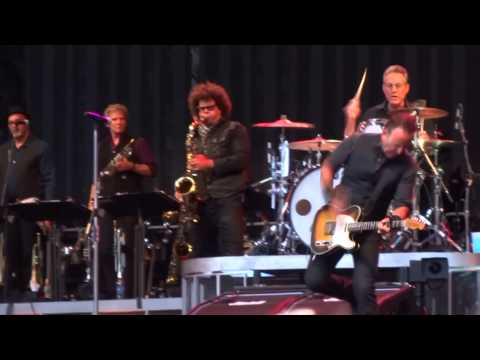 Bruce Springsteen - London, Wembley 2013-06-15 Land of hope and dreams multicam