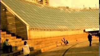 Crazy Ukrainians Slide Down a Building