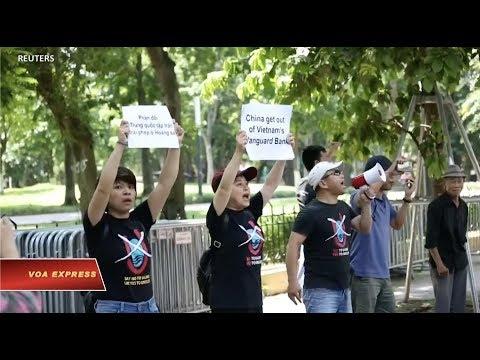 Biểu Tình Tại Hà Nội đòi TQ Ra Khỏi Bãi Tư Chính (VOA)