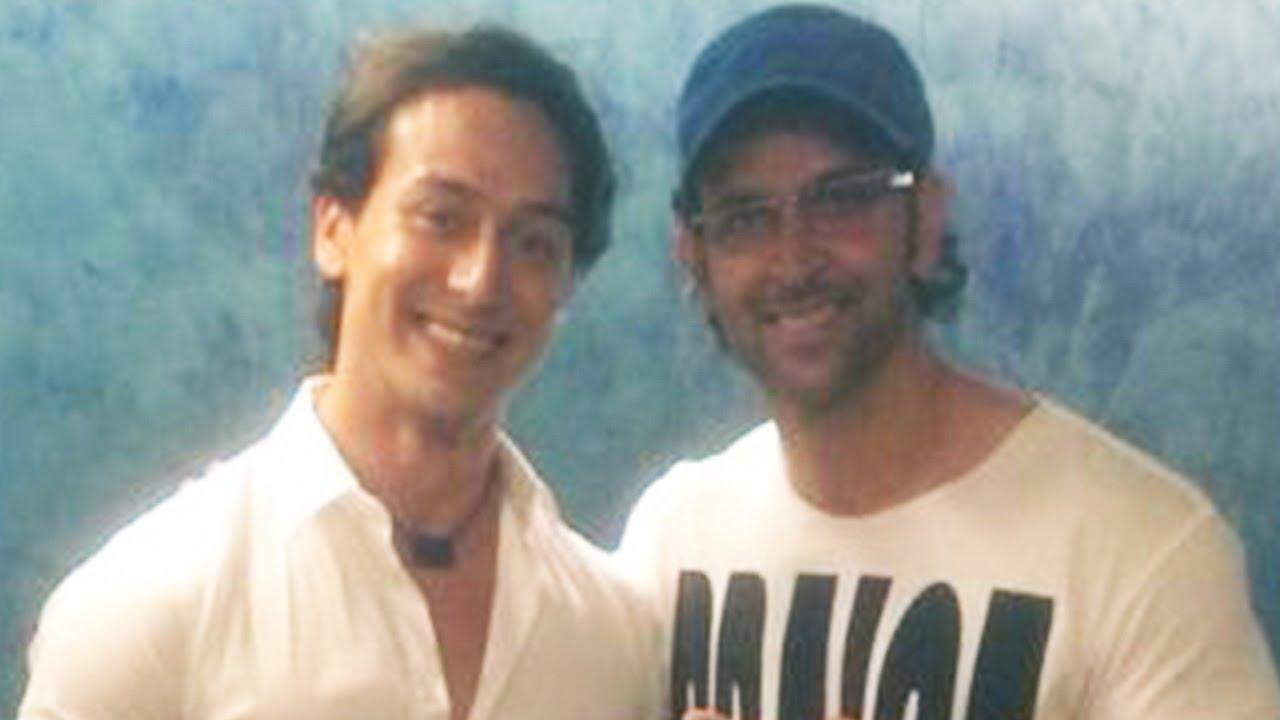 Hrithik Roshan And Tiger Shroff Watch Heropanti Together! - YouTube