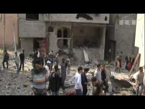 Israeli MISSILES hit RESIDENTIAL AREA in Gaza, DESTROYING buildings & INJURING CIVILIANS