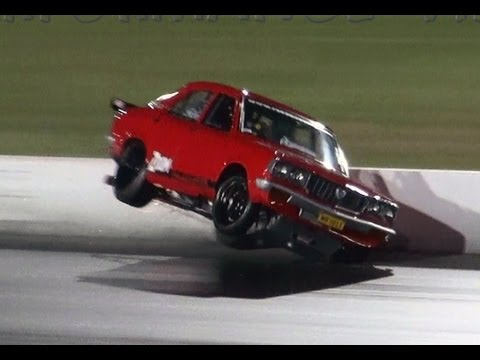 MRHELI MAZDA RX3 13B TURBO GETS OUT OF SHAPE AND TAGS THE WALL APSA SHOOTOUT SYDNEY DRAGWAY