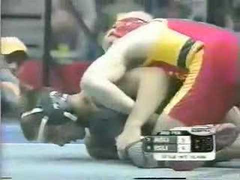 2002 NCAA: Aaron Holker (Iowa St) vs Eric Larkin (Ariz St)