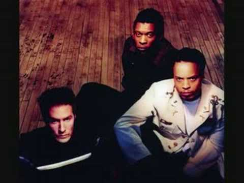 The String Quartet Tribute To Massive Attack - Hymn Of The Big Wheel