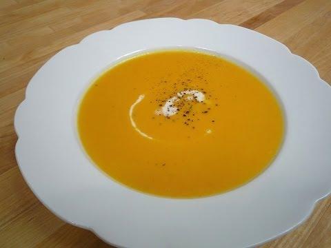 Karotten-Kürbis-Suppe mit Kokos