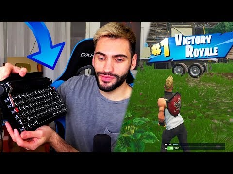 He won a Fortnite game with a TYPEWRITER... |