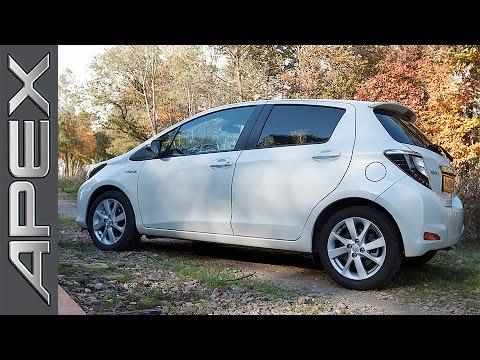Toyota Yaris Hybrid Review English Subtitles