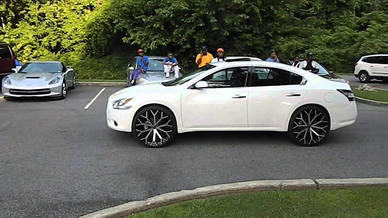 White Nissan Maxima On 24 S At Mlk Park In Memphis Youtube