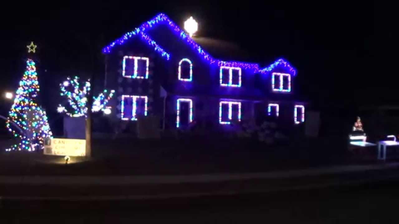 2014 Canigiani Christmas Light Show - The First Noel - YouTube