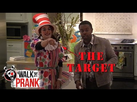 Pinata | Walk The Prank | Disney XD