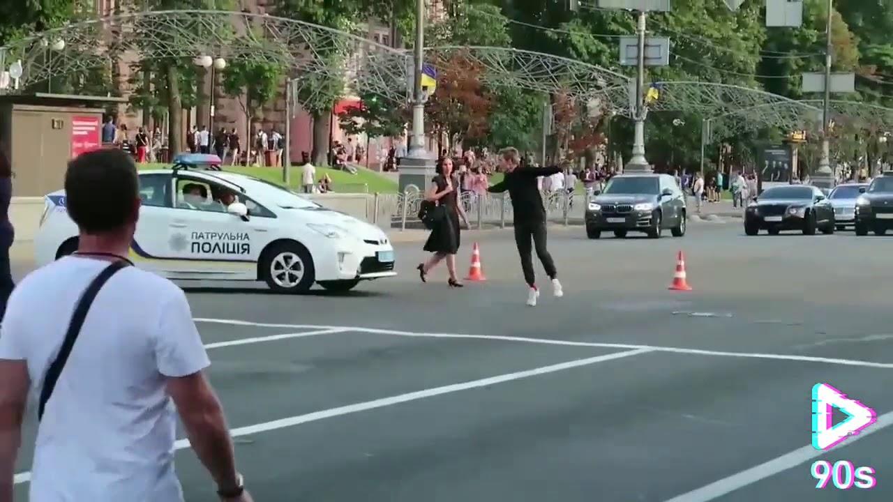 Пробежал по Полицейской машине,Побег от копов (Трейлер)