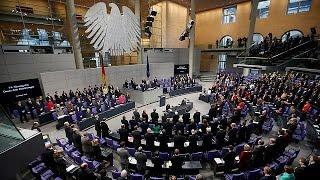 Меркель встала на защиту мусульман
