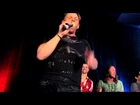 Mark Pellegrino sings Sweet Transvestite Vancon 2012