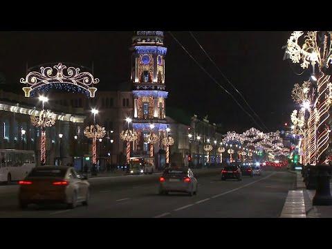 К новогодним праздникам в Санкт-Петербурге усиливают ограничительные меры.