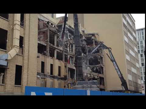 Ph2 of the new CHUM is starting, the old hospital of St-Luc is going down
