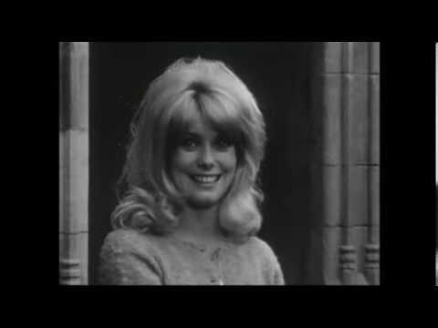 Catherine Deneuve - Interview (1962)