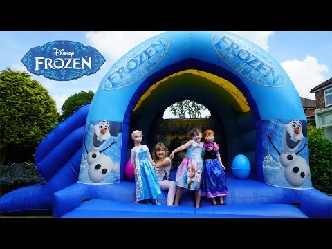 Frozen Elsa and Anna Life Size Dolls Playing Outside   Giant Inflatable Frozen Bouncy House