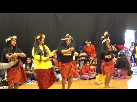 Kiribati Dancing2016