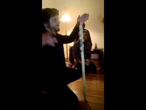 Jorge arma torre con 30 cubitos y bate el récord en Montevideo