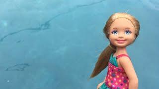 Barbie- Chelsea's First Swim Lesson