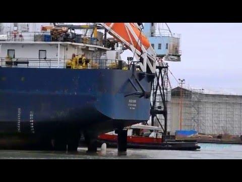 Ship ALGOSAR towed into Port Weller drydock