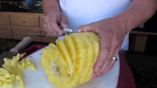 how to peel a pineapple the easy way