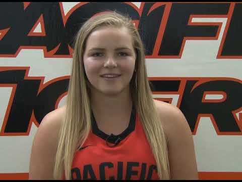 Get to Know Emma Leach of the Pacific Women's Field Hockey team