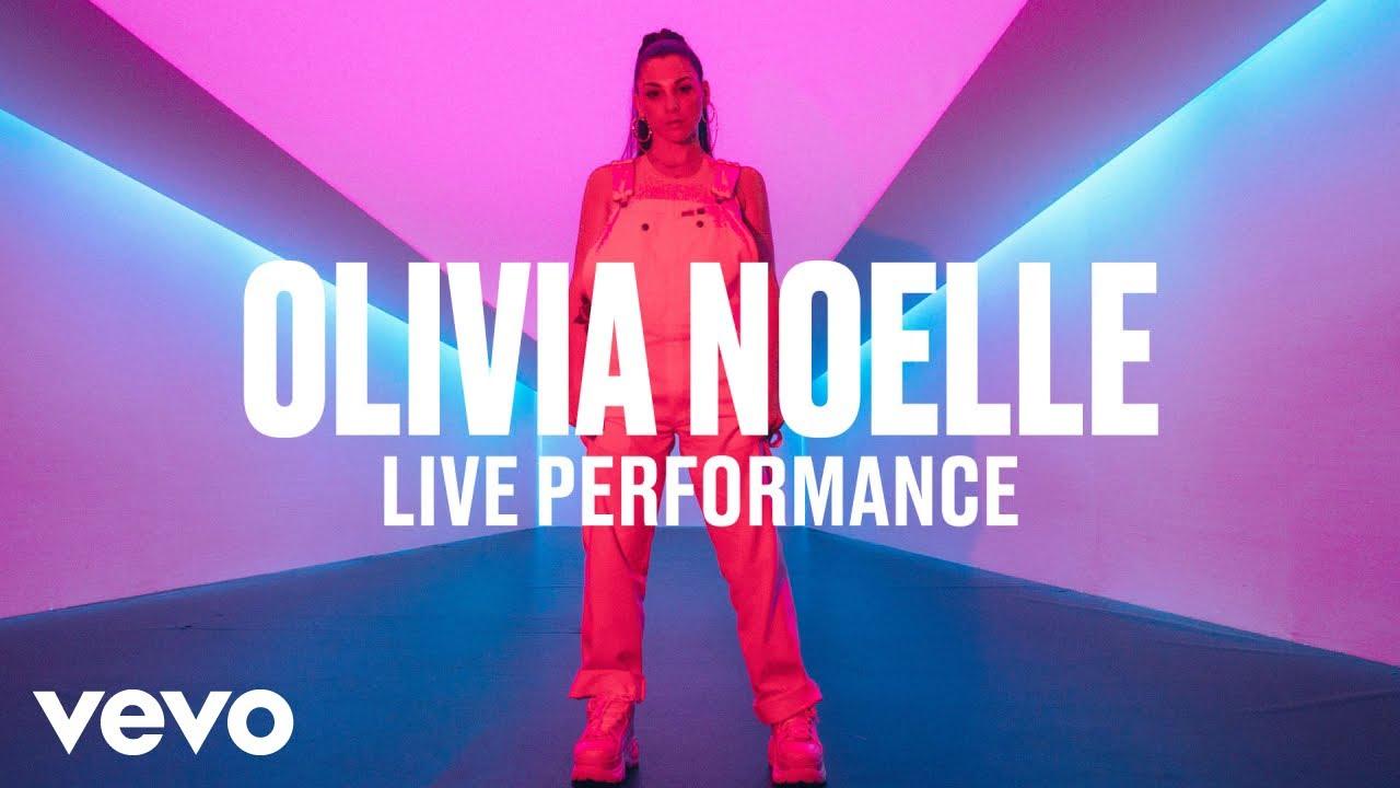 Olivia Noelle — Fck Around & Fall in Luv (Live) | Vevo DSCVR
