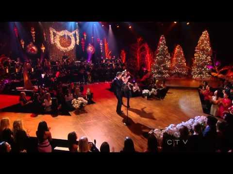 Michael Buble Ft. Thalia - Feliz Navidad (Special Christmas LIVE)