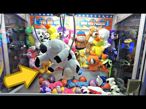Claw Machine WINS! Triple Plush Win At The Big One Claw Machine - Dave & Buster's Arcade Video