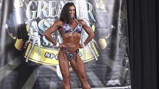 ⭐️IFBB Figure Pro Susan Clark on stage