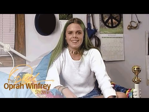 "Teenager Who Loves Dressing Like a ""Freak"" Gets a Makeover 