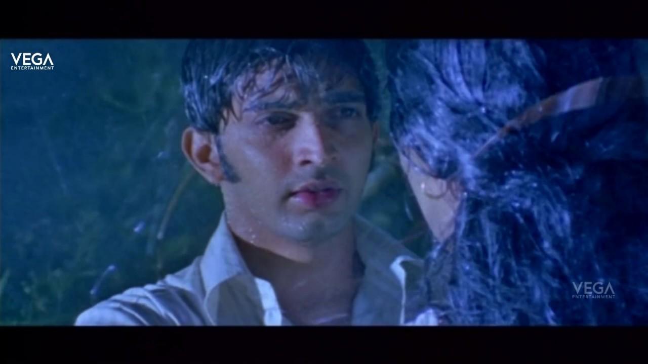 Download Rathinirvedam Romantic Scenes | Sweetha Menon Romance with Sreejith