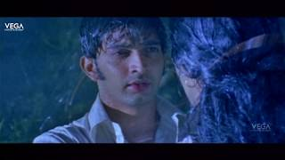 rathinirvedam-romantic-scenes-sweetha-menon-romance-with-sreejith