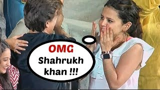 MS Dhoni Wife Sakshi Dhoni Fan Girl Moment WIth Shahrukh Khan
