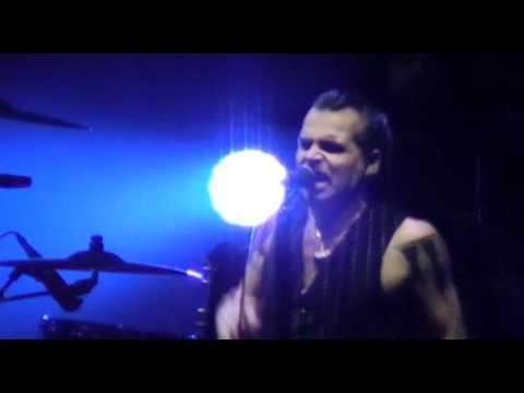 LITFIBA - Intro + Lo Squalo - MILANO (Forum Assago) LIVE 06/03/2012