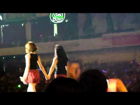 [FANCAM] SM Town Live Shanghai - SNSD - HaHaHa