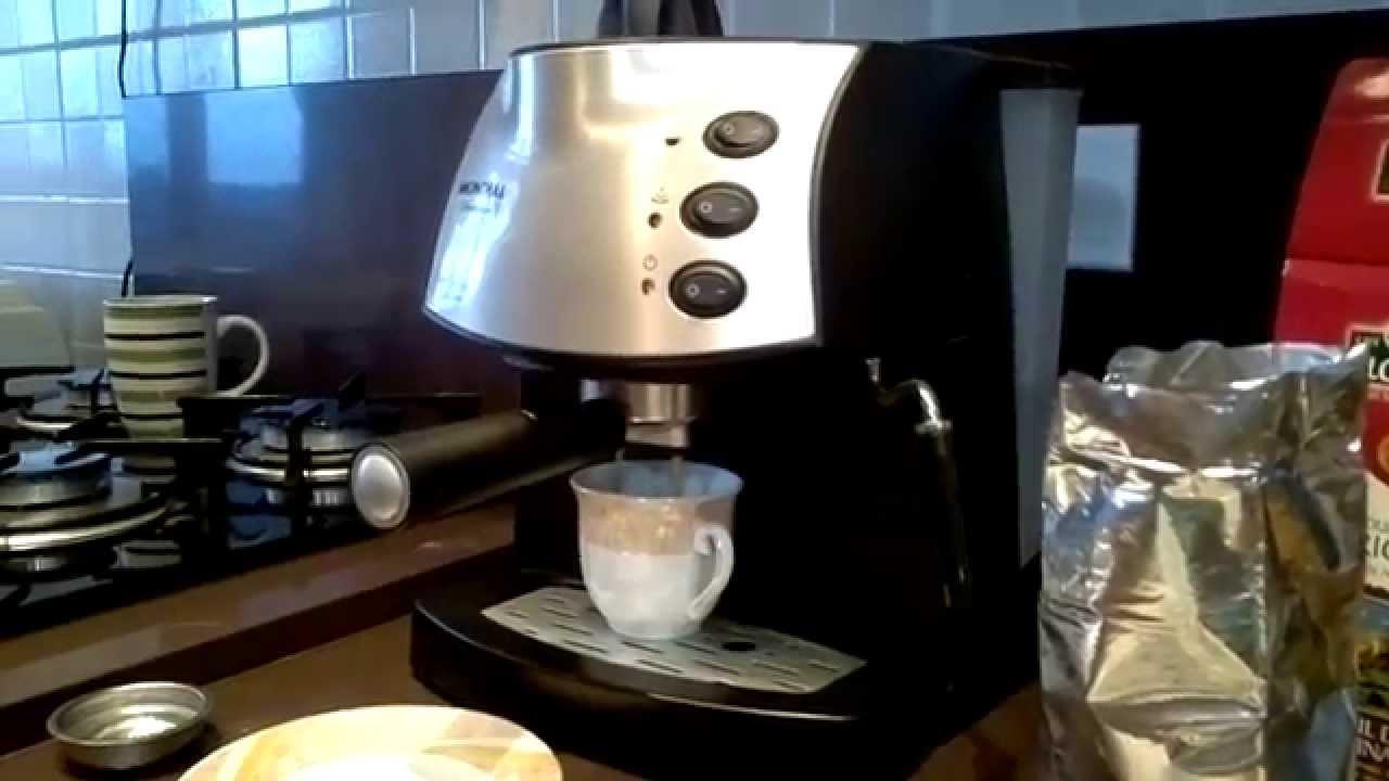 e323a446e Cafeteira expresso Mondial Premiun Fazendo café expresso - YouTube