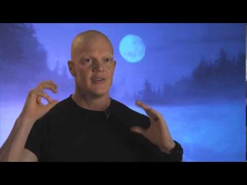 derek mears height