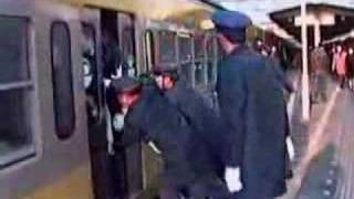 HOW TO CATCH A TRAIN IN CHINA