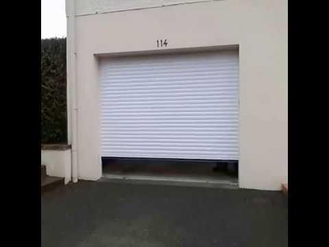 24 porte de garage enroulement ouverture vue ext rieur for Portail garage enroulement
