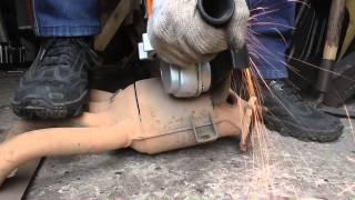 СВОИМИ РУКАМИ Как удалить катализатор. How to remove the catalyst