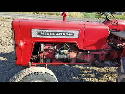 1964 International Harvester B-414 Diesel startup and walk-around