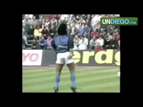 Maradona dançando com Style ( legendas engraçadas ).