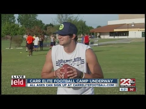 David Carr & Cody Kessler show how to throw a football at Carr Elite
