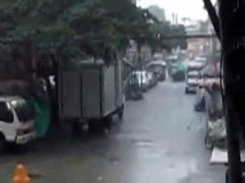 Rainy & Baha  TuesDay 8-20-2013,, 6:am Binondo San Nicolas Manila...