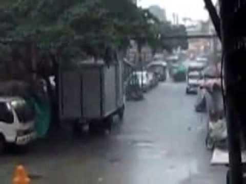 Rainy & Baha  TuesDay 8-20-2013,, 6:am Binondo San Nicolas Manila...