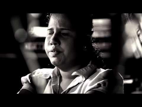 Ahan Inna Ahagena Inna - Mekala Gamage (Official HD Video)  From www.HelaNada.com
